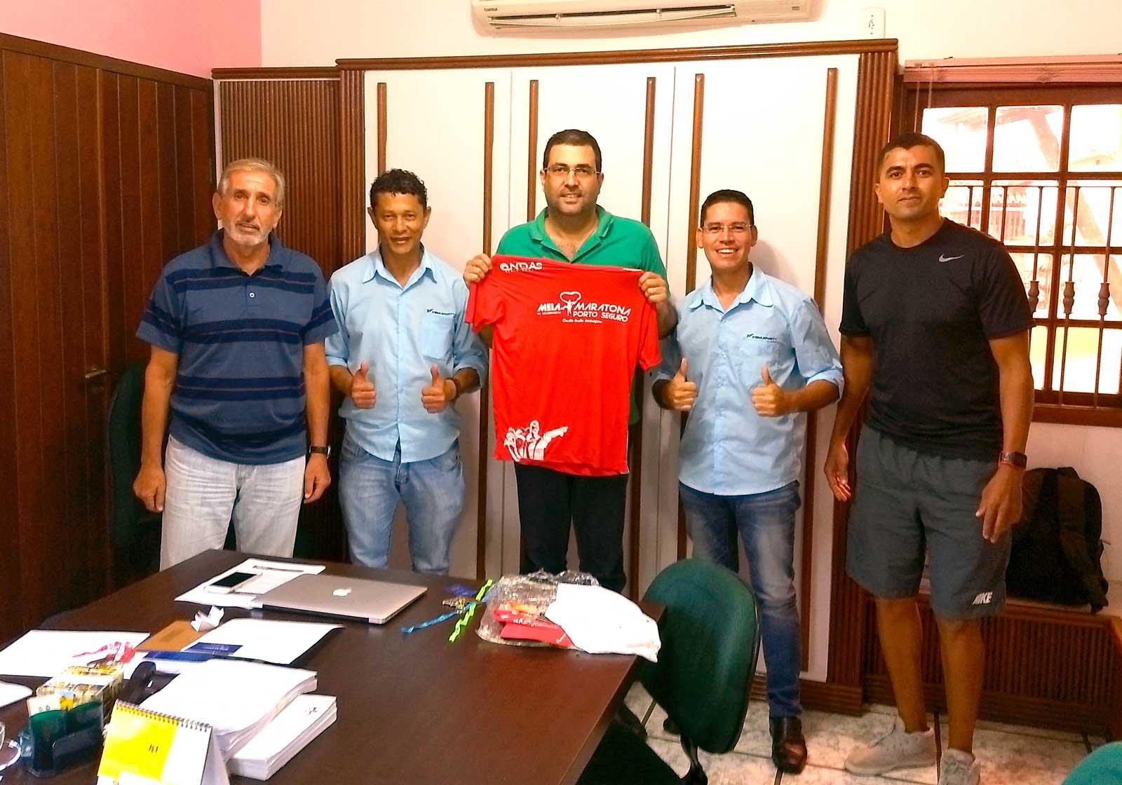 O prefeito Humberto Nascimento recebe diretores da Vida Sport.