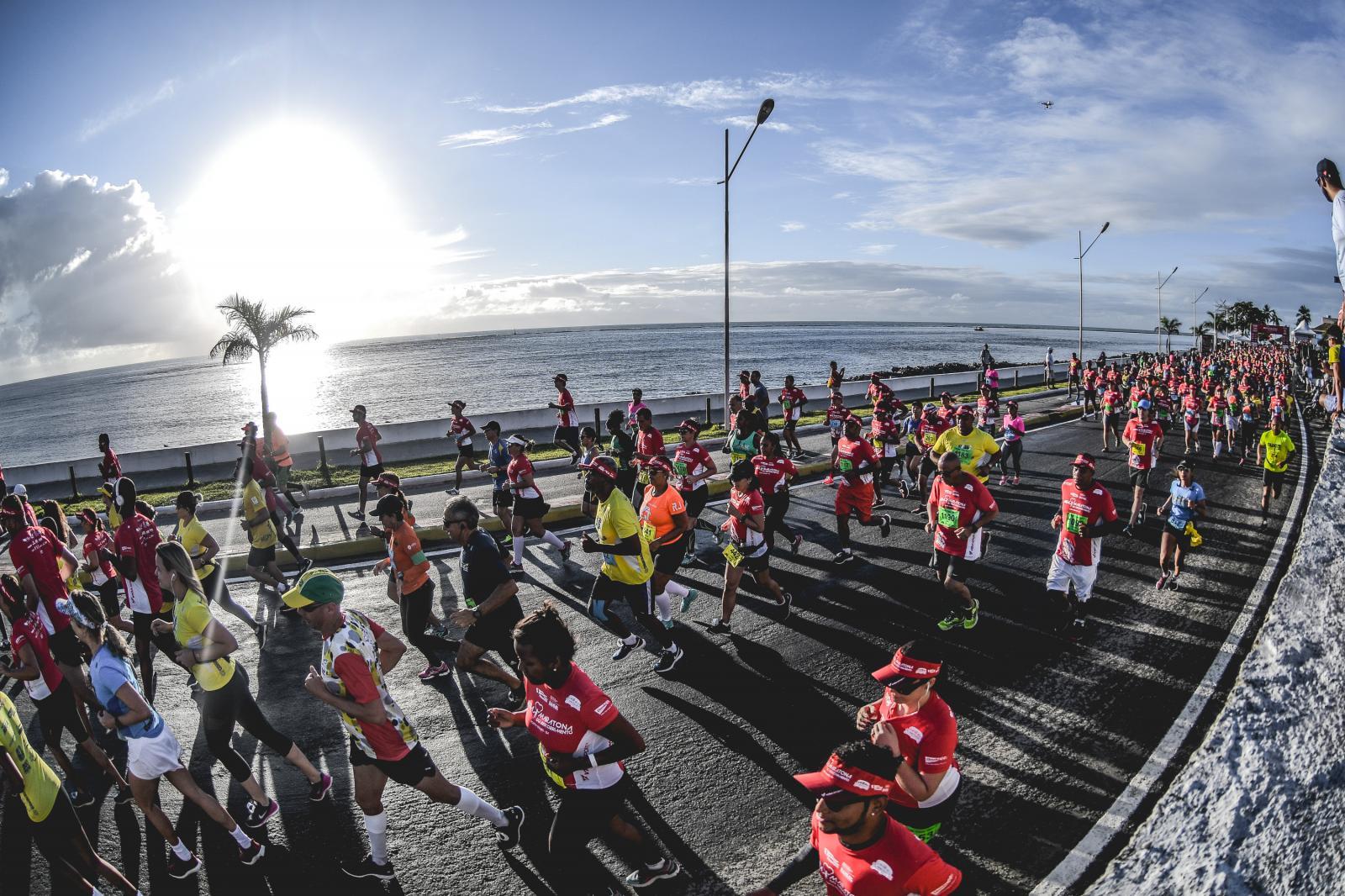 Giovani dos Santos e corredor especial Biel são destaques da Meia Maratona do Descobrimento